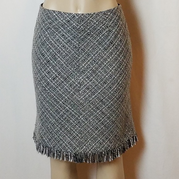 Apostrophe Stretch Women's Skirt Plaid Pleated Size 8 Women's Clothing